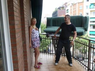 Диван Юлии Шиловой завис в небе над Барселоной!